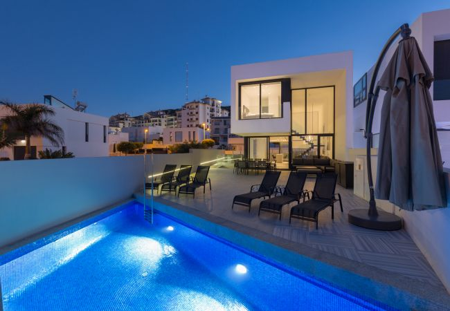 Villa/Dettached house in Guardamar - Fidalsa Moet & Chandon Sea Views
